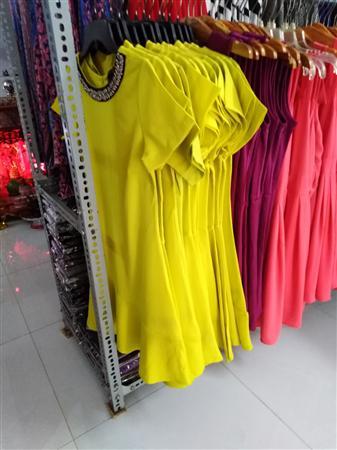 Áo thun, váy đầm, quần short giá sỉ tận kho dành cho khách