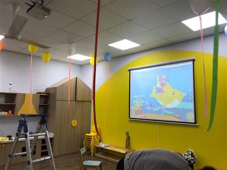 Chuyên cung cấp màn chiếu, màn hình máy chiếu 02439185666