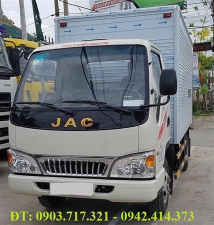 Gía xe tải Jac 2T5. Bán xe tải jac 2T5 thùng mui bạt giá tốt