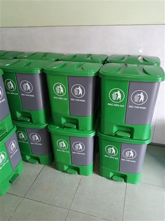 Thùng rác 2 ngăn dung tích 40 lit dùng phân loại rác