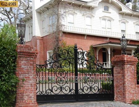 Các lưu ý trong thiết kế cửa cổng ra vào cho sân vườn biệt t