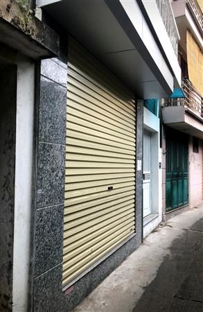 Nhà mặt ngõ đầu phố Hoàng Mai, Hà Nội 50m2 x 3 tầng. MT 5.5m