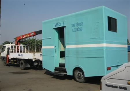 Nhà vệ sinh lưu động composite SGC lh0933003329 Ms PhúYên