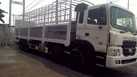 Xe tải Hyundai thùng mui bạt HD320 máy 380 Nhập khẩu, 19 tấn