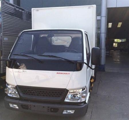 Xe tải DoThanh IZ49 tải trọng 2.3 tấn, nhỏ gọn, giá tốt
