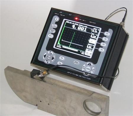 Máy siêu âm dò khuyết tật mối hàn, thép đúc model DFX615