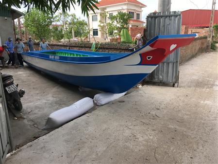 Chuyên cung cấp: vỏ lãi composite, thuyền composite