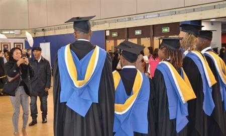 nhận may áo tốt nghiệp, lễ phục tốt nghiệp đại học 2019