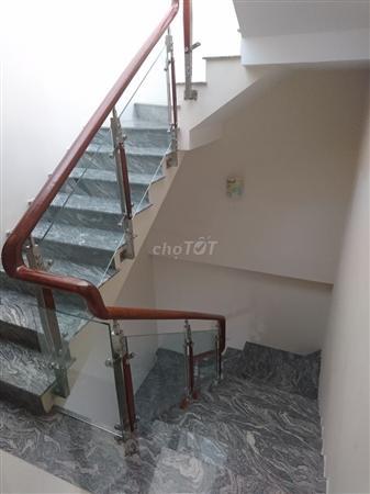 Cho thuê nhà 6x12m,3 lầu, đường trần kế xương, quận bình thạnh. Giá 40 triệu. Gọi 0905809747