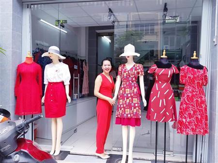 Cần sang gấp shop thời trang nằm ngay mặt tiền 121  chợ lớn, p.11, q.6, tp. Hồ chí minh