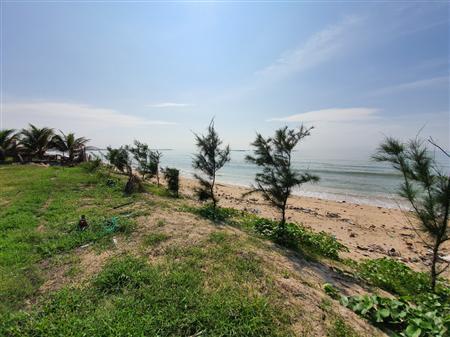 Cần bán đất nền ven biển trên trục đường chính 702, cách biển 100m