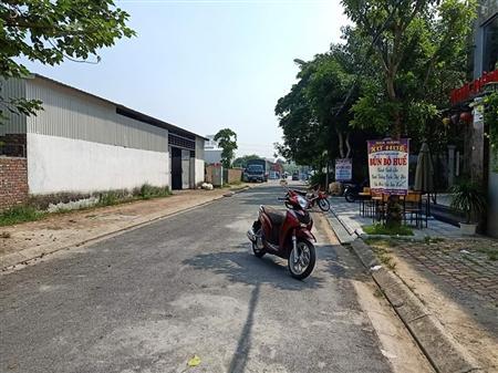 Bán gấp 10 lô đất nền sổ đỏ chính chủ phố việt hưng- long biên- hn- 0983764145