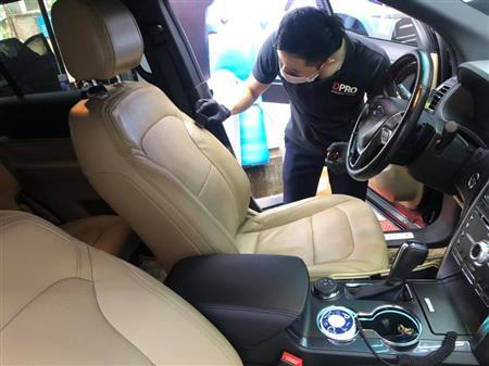 Dọn nội thất ô tô cho Toyota Wigo