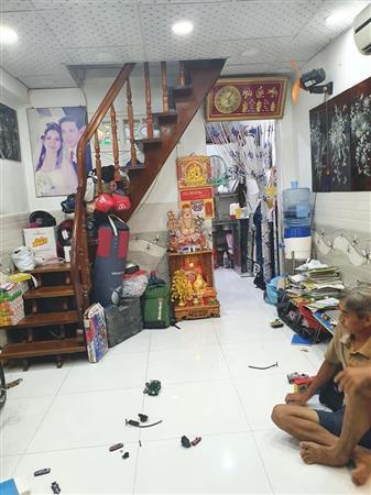 Bán nhà HXH sát mặt tiền ngay chợ Hoà Hưng Q.10,  DTSD: