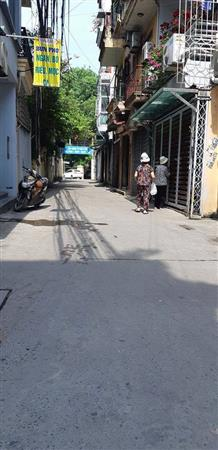 Cần bán gấp nhà sang, sổ đẹp phố Trần Cung giá siêu rẻ.