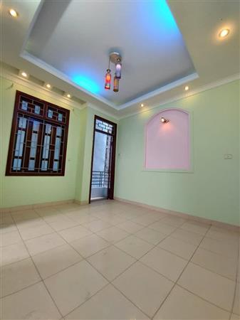 Bán Nhà Vĩnh Hưng 40m, 5 tầng, 3 phòng ngủ , mặt tiền 4m,