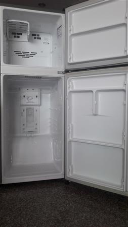 Tủ lạnh LG 185 lit 2 cửa ,6 ngăn, khử mùi tốt
