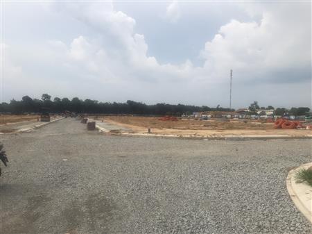 Chính chủ cần bán gấp 2 nền đất liền kề ngay MT đường DT741