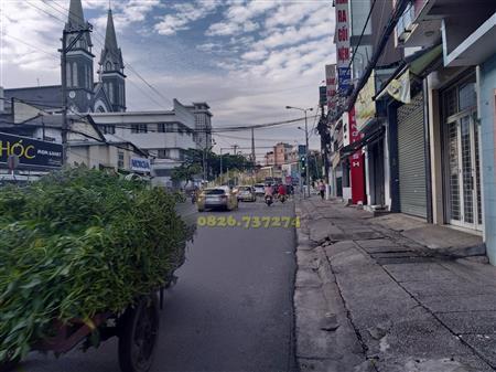 Nhà mặt tiền CMT8 Phú Cường Thủ Dầu Một Bình Dương. DT
